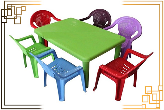 میز پلاستیکی مربع